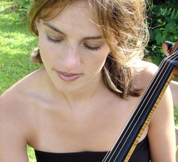 Julie Albers, cellist. Photo by Lisa-Marie Mazzucco